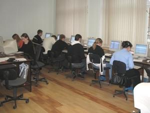 Студенты Гуманитарного института выполняют задания Олимпиады-Гарантиады